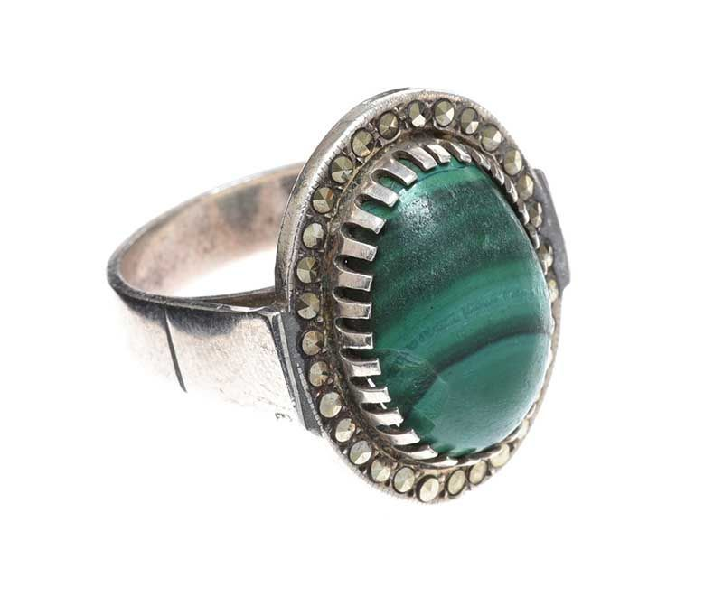 SILVER RING SET WITH MALACHITE AND MARCASITE at Ross's Online Art Auctions