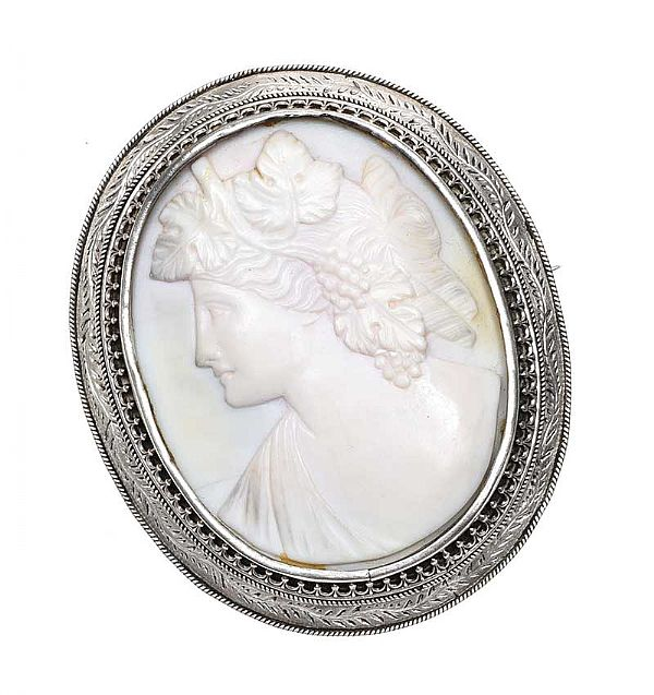 LARGE SILVER-MOUNTED CAMEO BROOCH at Ross's Online Art Auctions