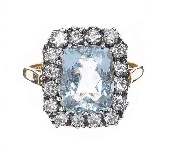 18CT GOLD AQUAMARINE AND DIAMOND RING at Ross's Online Art Auctions