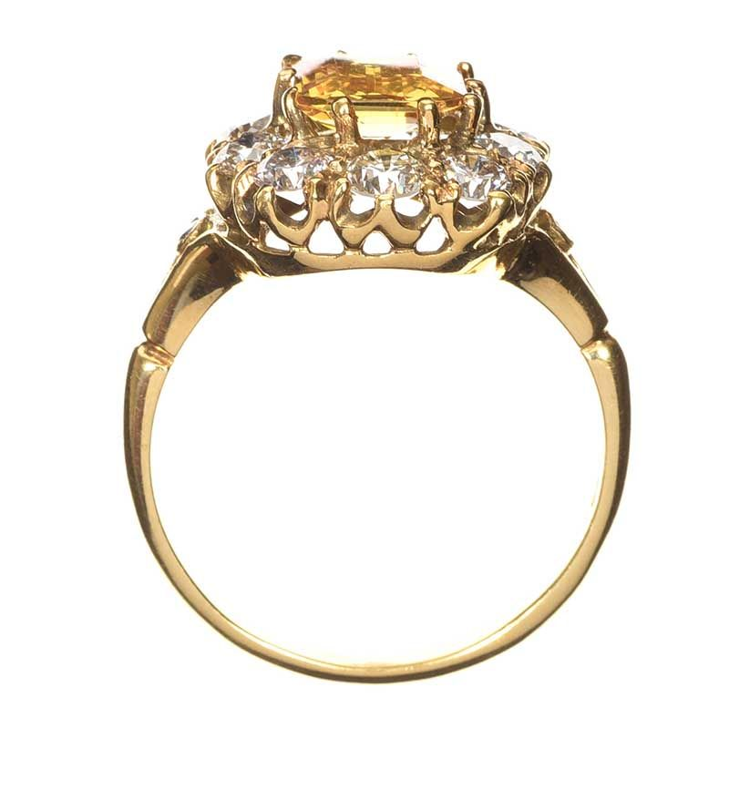18CT GOLD YELLOW SAPPHIRE AND DIAMOND RING at Ross's Online Art Auctions