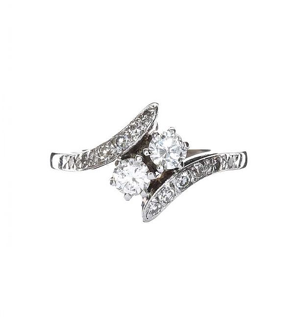 14CT WHITE GOLD DIAMOND RING at Ross's Online Art Auctions