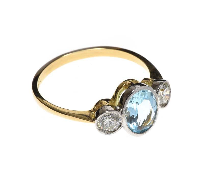 18CT GOLD AND PLATINUM AQUAMARINE AND DIAMOND RING at Ross's Online Art Auctions