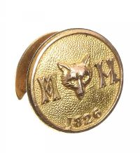 GOLD HUNTING BUTTON at Ross's Jewellery Auctions