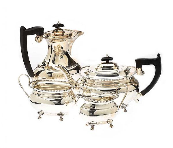 SILVER TEA POT at Ross's Online Art Auctions