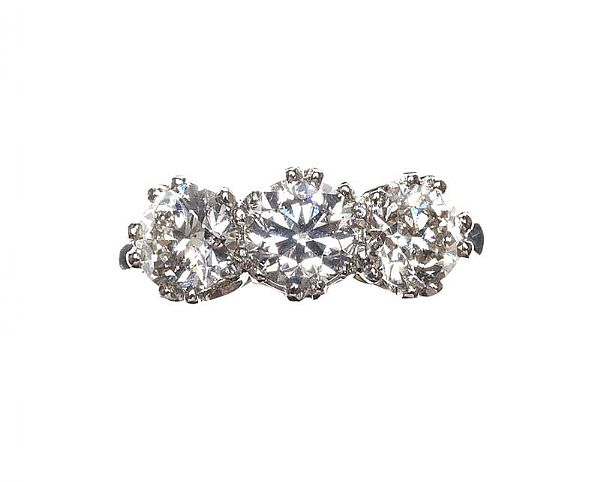PLATINUM THREE STONE DIAMOND RING at Ross's Online Art Auctions