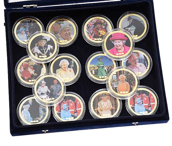 SET OF SIXTEEN COMMEMORATIVE COINS at Ross's Online Art Auctions