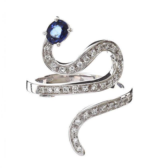 18CT WHITE GOLD SAPPHIRE AND DIAMOND RING at Ross's Online Art Auctions