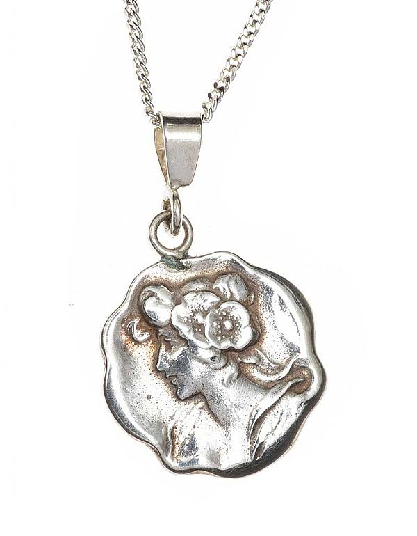 ART NOUVEAU SILVER NECKLACE at Ross's Online Art Auctions