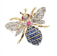 18CT GOLD DIAMOND, SAPPHIRE AND RUBY BEE BROOCH at Ross's Jewellery Auctions