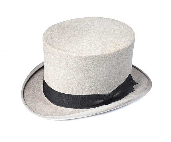 LARGE TOP HAT at Ross's Online Art Auctions