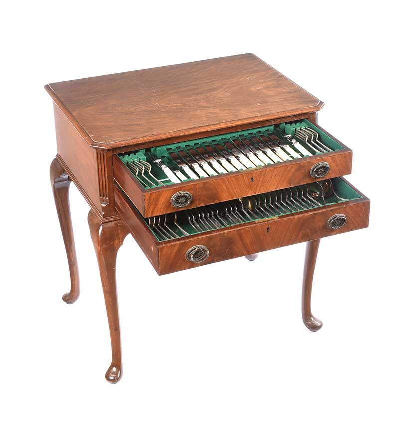 MAHOGANY CASED CANTEEN OF CUTLERY at Ross's Online Art Auctions