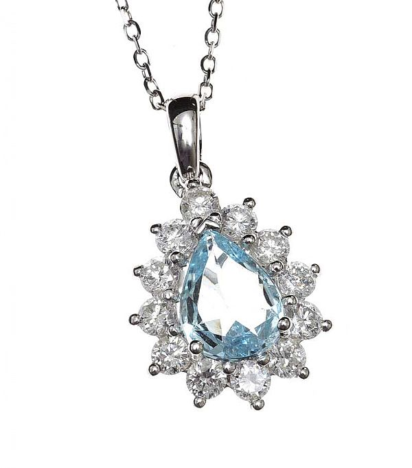 18CT WHITE GOLD AQUAMARINE AND DIAMOND NECKLACE at Ross's Online Art Auctions