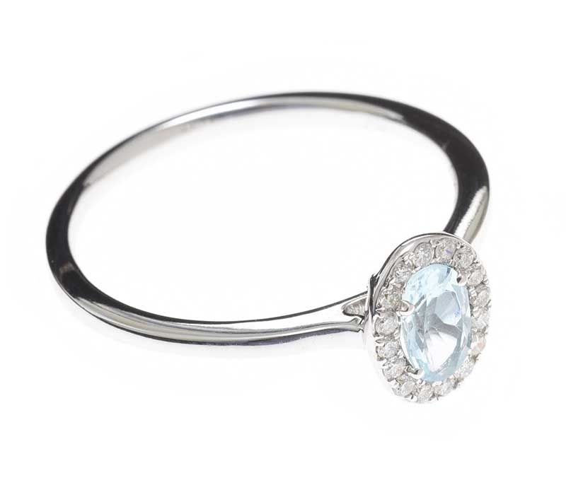 18CT WHITE GOLD AQUAMARINE AND DIAMOND RING at Ross's Online Art Auctions