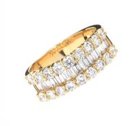 18CT GOLD DIAMOND RING at Ross's Auctions