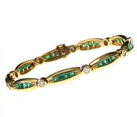 18CT GOLD EMERALD AND DIAMOND BRACELET at Ross's Jewellery Auctions