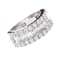 18CT WHITE GOLD DIAMOND RING at Ross's Jewellery Auctions